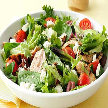 garden-salad-with-grilled-chicken